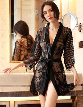 Lace Robe Black
