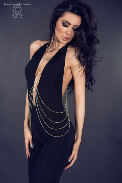 Chilirose Body Chain
